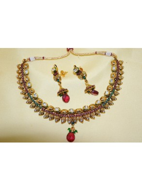 http://mahicollections.com/7324-thickbox/polki-necklace-set-s25-3.jpg